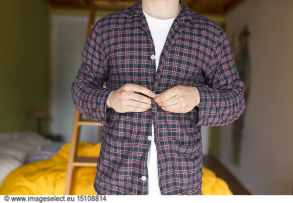 Man dressing pyjama