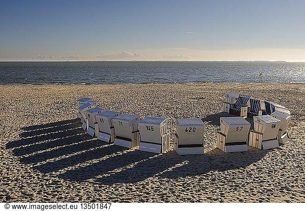 Strandkörbe am Oststrand von Hörnum,  Sylt,  Nordfriesland,  Schleswig-Holstein,  Deutschland,  Europa